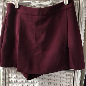 BCBG gorgeous burgundy/maroon skirt! NEVER WORN